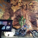 ClockTower - Im Lokal-Replik 'Easy Rider-Harley' (Peter Fonda) - Clocktower American Bar & Grill - Wien-Süd - Brunn am Gebirge