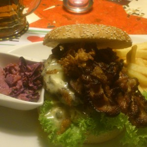 Blue-Cheese-Burger - Brot & Spiele City - Graz