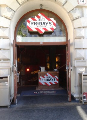 TGI Friday's Lokaleingang - TGI Friday's - Wien