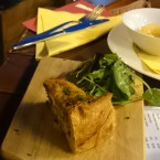 Asparagus&Wild Garlic Quiche with Irish Smoked Gubeen Cheese - O'Connors Old Oak - Wien