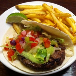 Black and Blue Burger Taco - TGI Friday's - Wien