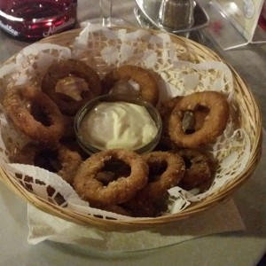 Onionrings mit Knoblauchsauce - The BBQ Steak House - Biedermannsdorf