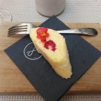 Flying Breakfast: Griesroulade mit Beeren - Labstelle Wien - Wien