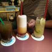 Long Island Ice Tea, Sex on the Beach, Mojito (vlnr) - Kix Bar - Wien
