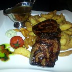 Sirloin Steak mit Spicy Potatoes - Clocktower American Bar & Grill - Wien-Süd - Brunn am Gebirge