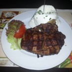 Rib-Eye Steak 400g. mit Papa Asada - Maredo - Wien