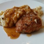 Kalbsbutterschnitzel | Kartoffelpüree (Tapas Brunch Around The World) - M Lounge - Wien