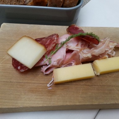 Flying Breakfast: ital. Salami, Schinken, Speck, Bergkäse - Labstelle Wien - Wien