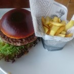 Classic Burger mit Pommes - Linsberg Asia SB-Thermenrestaurant - Bad Erlach