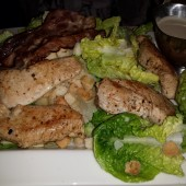 Chicken Caesar Salad - Clocktower American Bar & Grill - Wien-Süd - Brunn am Gebirge