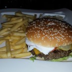 Cheeseburger - Clocktower American Bar & Grill - Wien-Süd - Brunn am Gebirge