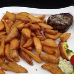Tender Loin Steak 150g mit spicy potatoes - Harley Davidson - Clocktower American Bar & Grill - Graz