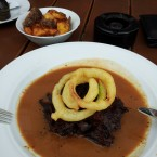 24hr Braise Steak, Onion Rings, Pepper Sauce and Home-Made Chips - O'Connors Old Oak - Wien