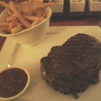 Rumpsteak 350g, Condor fries, Kolumbianische Chili Sauce - Condor - Graz