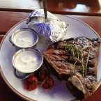 T-Bone Steak 500 Gramm mit Baked Potato und Sour Cream  06/2018 - Flatschers - Wien