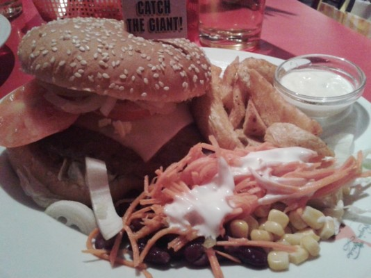 "Cheese Burger Classic - American ""King Cadillac"" Diner - Graz"