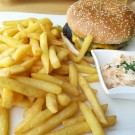 Cheese Burger mit Clocktowerfries