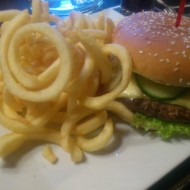 Molly Burger mit CurleyFries - Molly Malone - Graz
