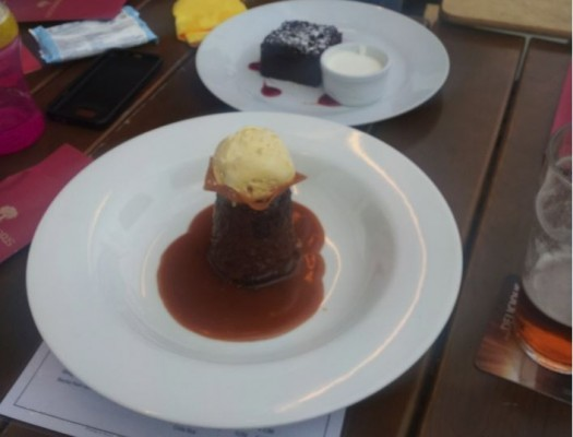 Warm Sticky Toffee Pudding with Butterscotch Sauce, Vanilla Ice Cream ... - O'Connors Old Oak - Wien