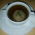 "Leberknödelsuppe - Gasthof-Pension ""Zur Bruthenne"" - Furth/Triesting"