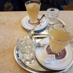 Apfel-Whisky-Punsch mit Jameson Whisky - Cafe Museum - Wien